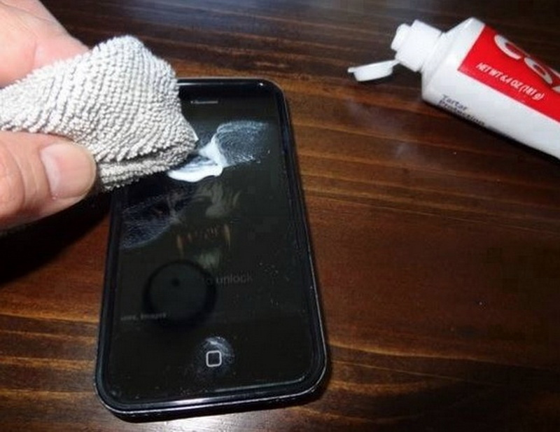 use toothpaste to remove scratches from iphone
